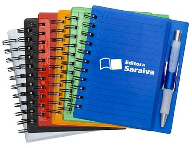 https://www.corporativobrindes.com.br/content/interfaces/cms/userfiles/produtos/bloco-de-anotacoes-em-acrilico-personalizado-para-brindes-292.jpg