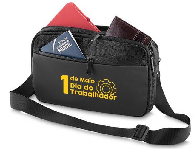 https://www.corporativobrindes.com.br/content/interfaces/cms/userfiles/produtos/pochete-mini-bolsa-personalizada-para-brindes-dia-do-trabalhador-336.jpg